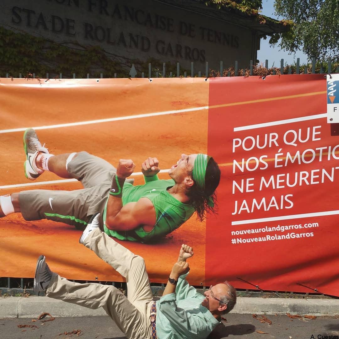 """En el estadio de Roland Garros. """"Para que nuestras emociones nunca mueran"""""""